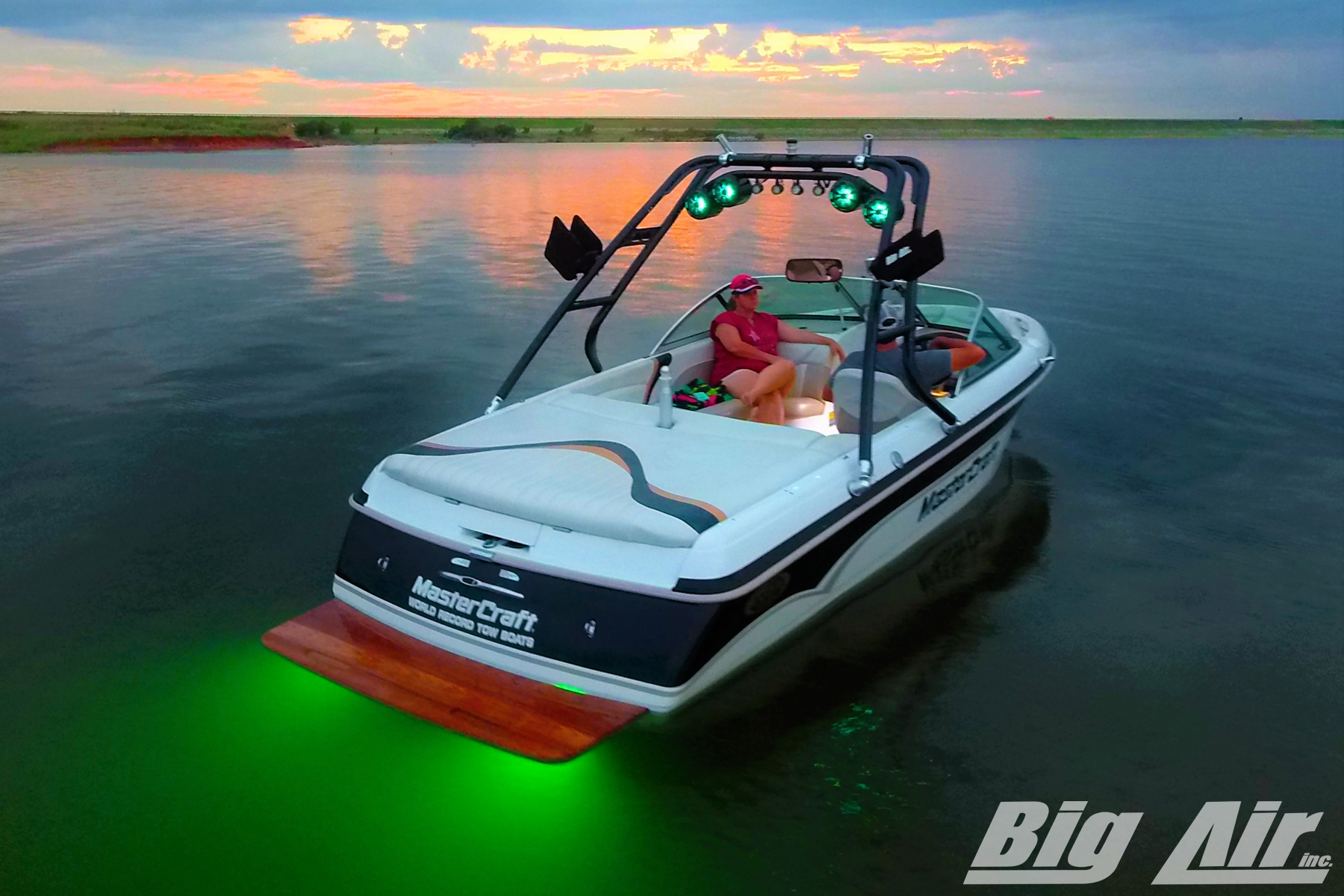big-air-underwater-led-cuda-tower